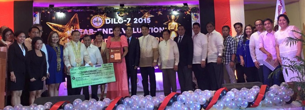The 8th Sangguniang Bayan with Mayor Fortunato R. Abrenilla during the awarding ceremonies with DILG Region 7 executives and Provincial DILG.